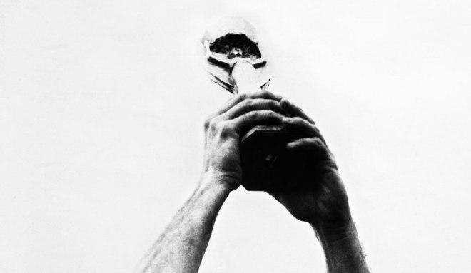 Bellini levanta el trofeo Jules Rimet